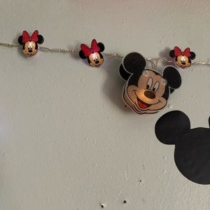 Mickey and Minnie battery powered string light